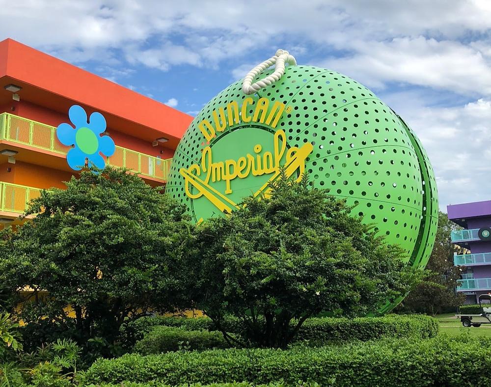 Oversized Duncan Yo-Yo outside of one of the buildings at Disney's Pop Century Resort