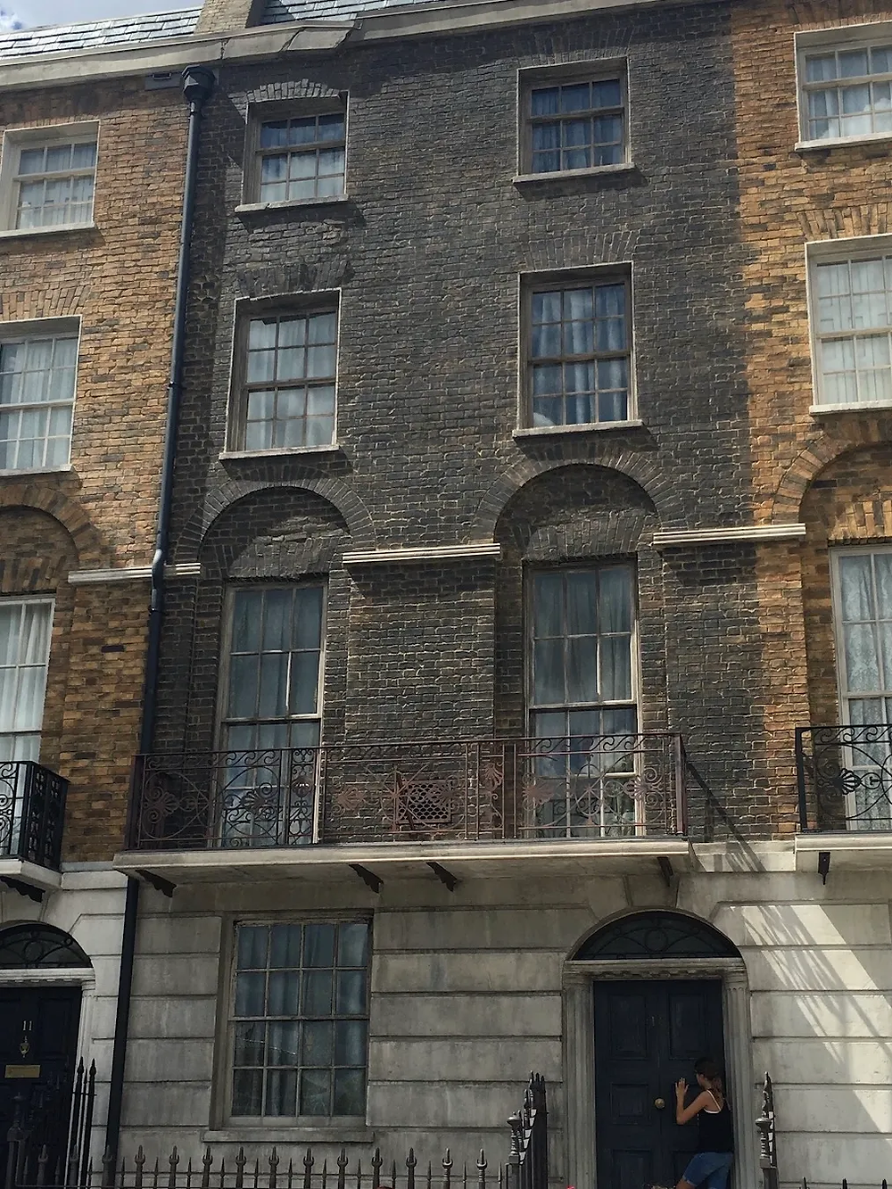 12 Grimmauld Place: a darkened town home to show that it has magically appeared near entrance to Diagon Alley