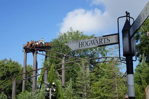 People riding Flight of the Hippogriff @ Universal's Islands of Adventure