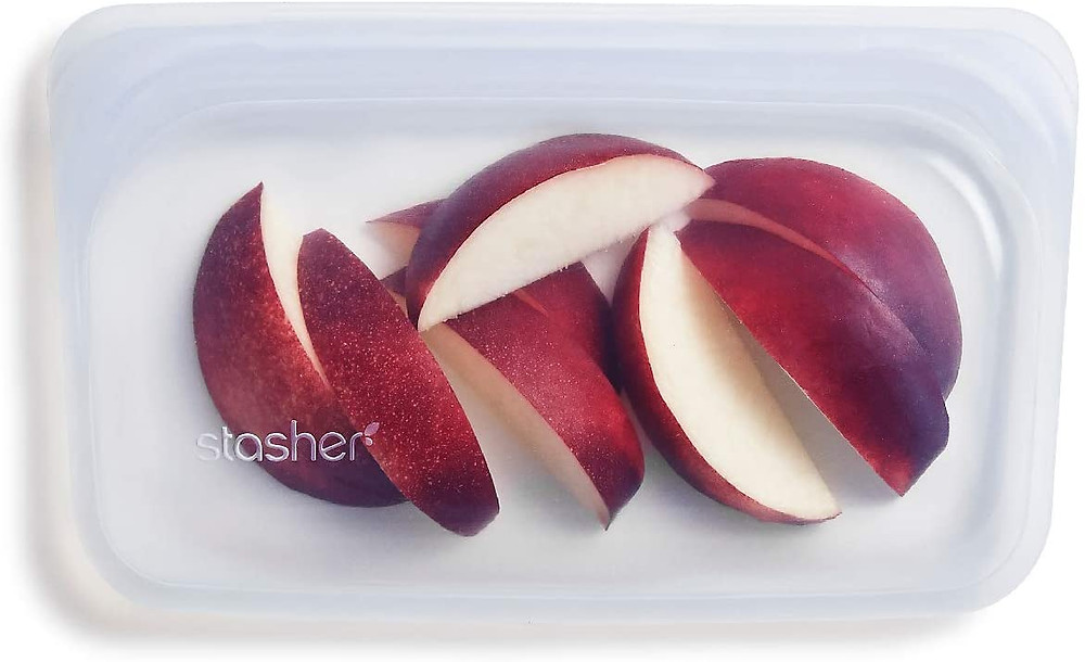 Stasher bag with apple slices