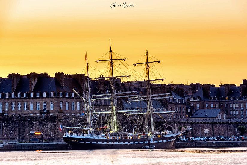 """Le prestigieux trois-mâts """"le Belem"""" en visite à Saint-Malo (aout 2021)"""