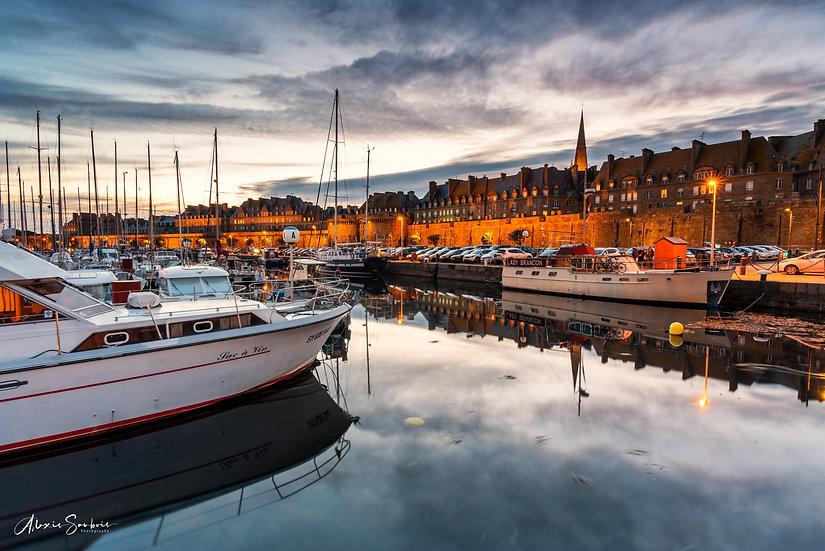 Le Port à l'heure bleue et son reflet
