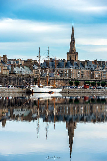 Superbe reflet dans le port de Saint-Malo