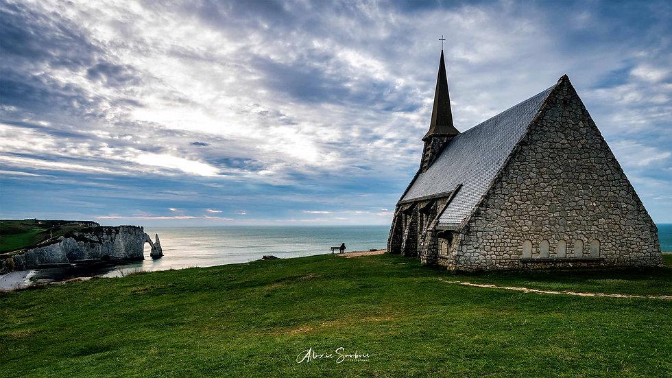 La chapelle des Falaises d'Etretat [16:9]