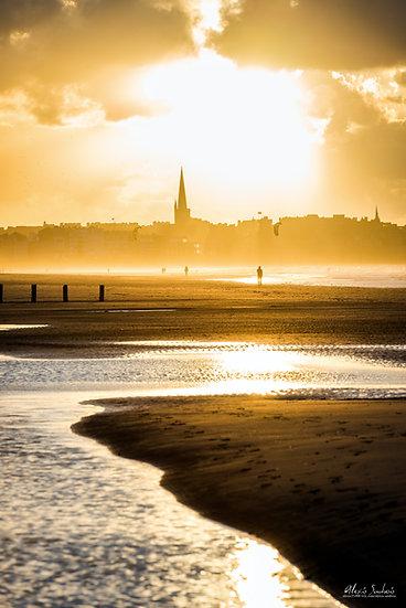 Saint-Malo depuis rochebonne au soleil couchant