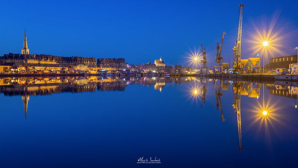 Reflet de Saint-Malo à l'heure bleue