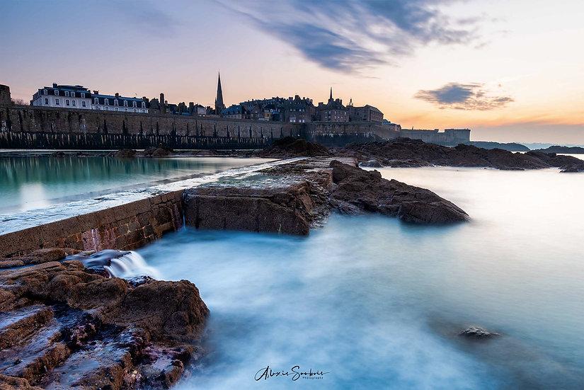 Saint-Malo depuis la piscine de l'éventail