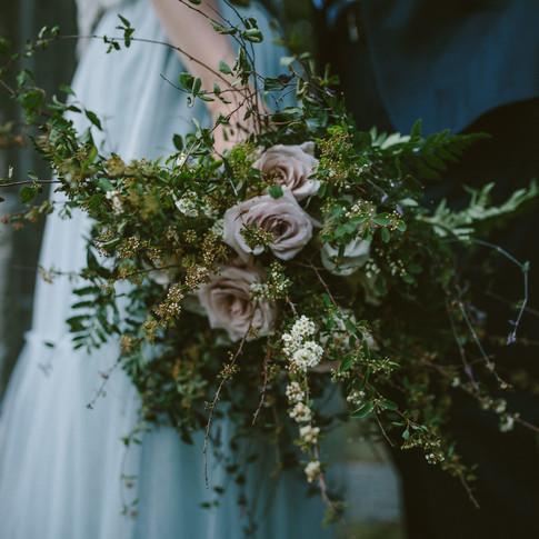 Lake Minnewanka Bridal Inspiration // Whimsical Florist