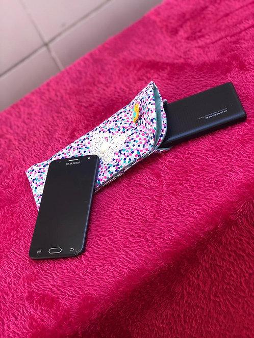Bolsinha 2 em 1 celular e carregador portátil