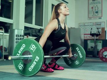 Talking to the German weightlifting team's junior lifter, Nancy Ludwig (63kg)