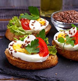 healthy-sandwich-with-mozzarella-tomato-