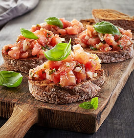 toasted-bread-with-chopped-tomatoes-P3UP