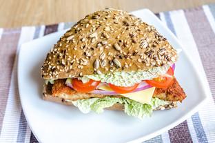 triangle-wholewheat-bun-hamburger-PZF6CP