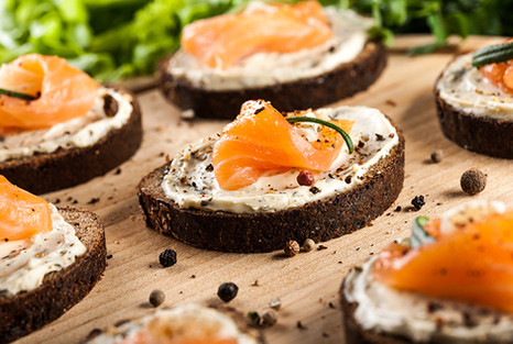 canape-with-smoked-salmon-PBD5RS7.jpg