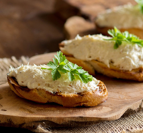 toasted-bread-with-a-salted-codfish-mous