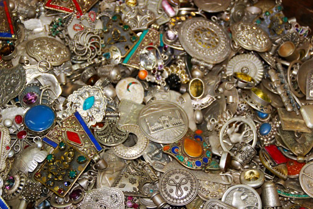 Omani Trinkets