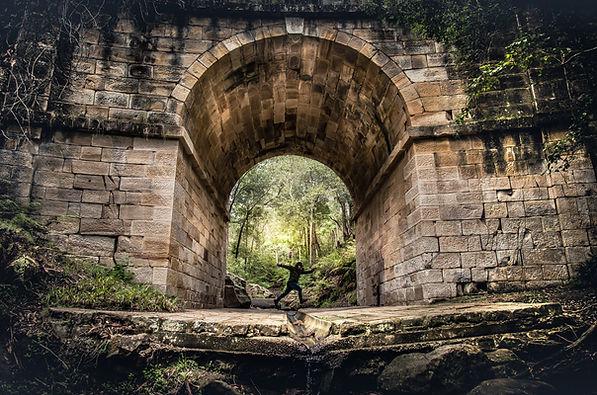 Springen unter Arch