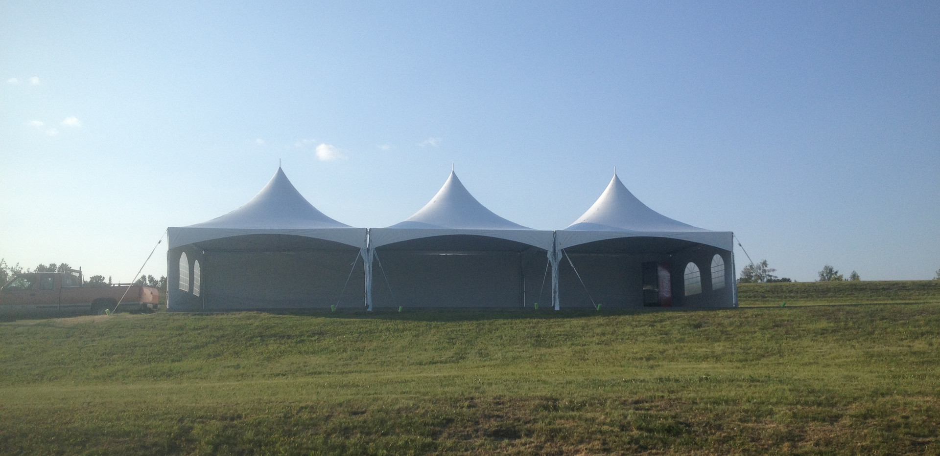 Chapiteaux tente pole pic (Peak Pole Tent)