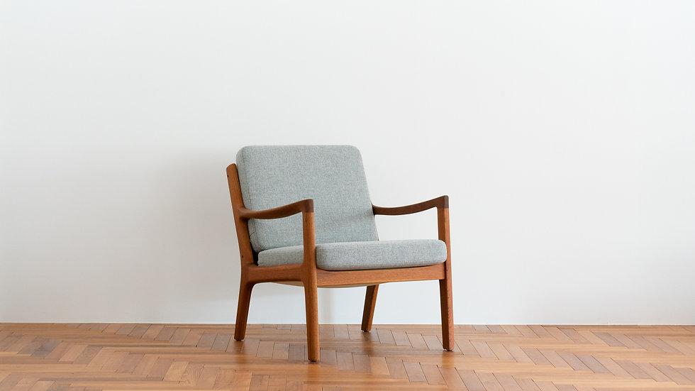 "Ole Wanscher  model.169 ""Senator"" sofa"