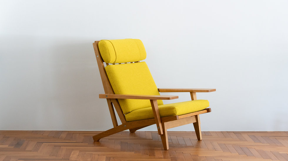 Hans J Wegner GE375  Highback Sofa