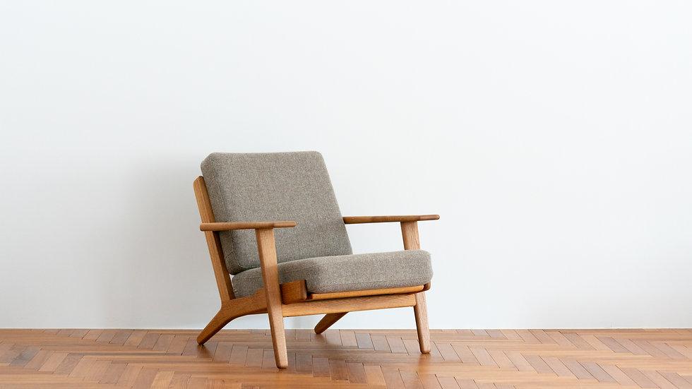 Hans J Wegner  GE-290 Sofa