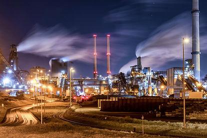 Tata Steel in de avond, klimaatvervuiler