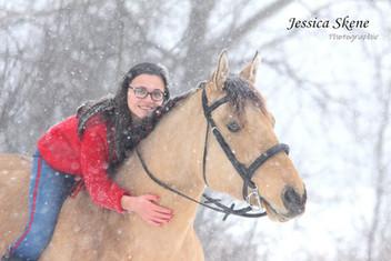 Hippi-que & Compagnons Jessica Skene Photographie potrait couple équin hiver