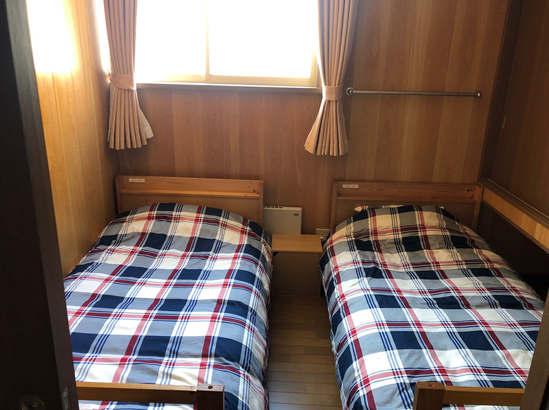 寝室2 洋室(シングルベッド2台)