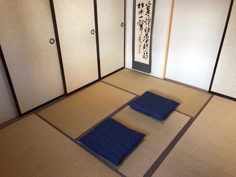 寝室1 和室(布団2組)