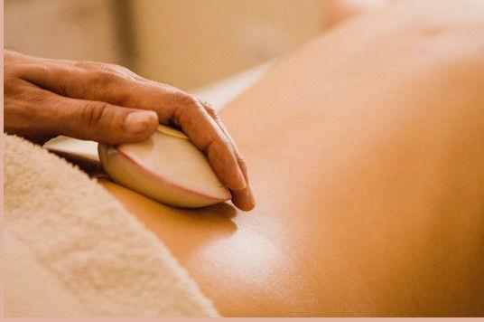 Ganzkörper-LavaShell -Massage