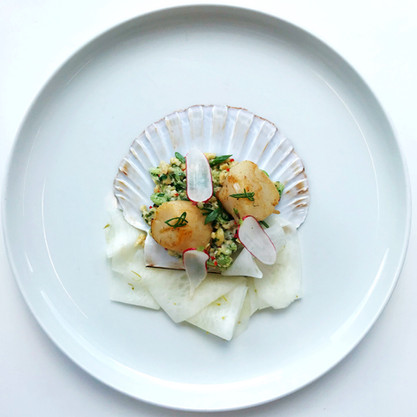 Scallops with pickled mooli, peanut and chilli salsa & baby radishes