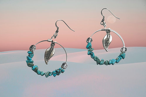 Hoop earrings withTurquoise chips and silverplated feather