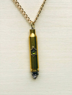 pendant%20with%20green%20stone%20larger_