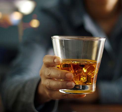 happy-hour-well-drink-the-pub-mckinney.jpg