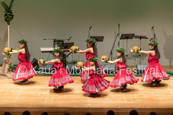Group Kaikamāhine Kahiko Nei - Hālau Ka Waikahe Lani Mālie Shonan