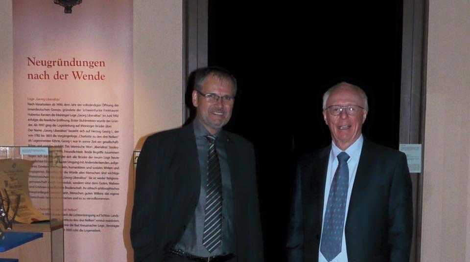 Dr. T. Laube, Meister von Stuhl der Loge Georg-Liberalitas (l.), Prof. H. Karsten, Altstuhlmeister (r.)