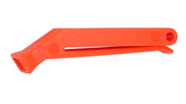 Silbato naranjo con clip.