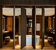 CAM-Rooms-Grand-Deluxe-Suite-Bathroom-01