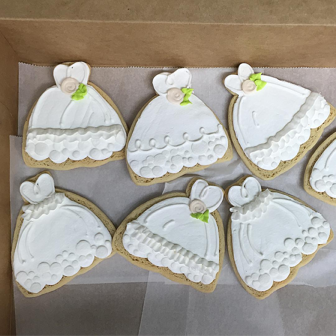 WeddingDressCookies