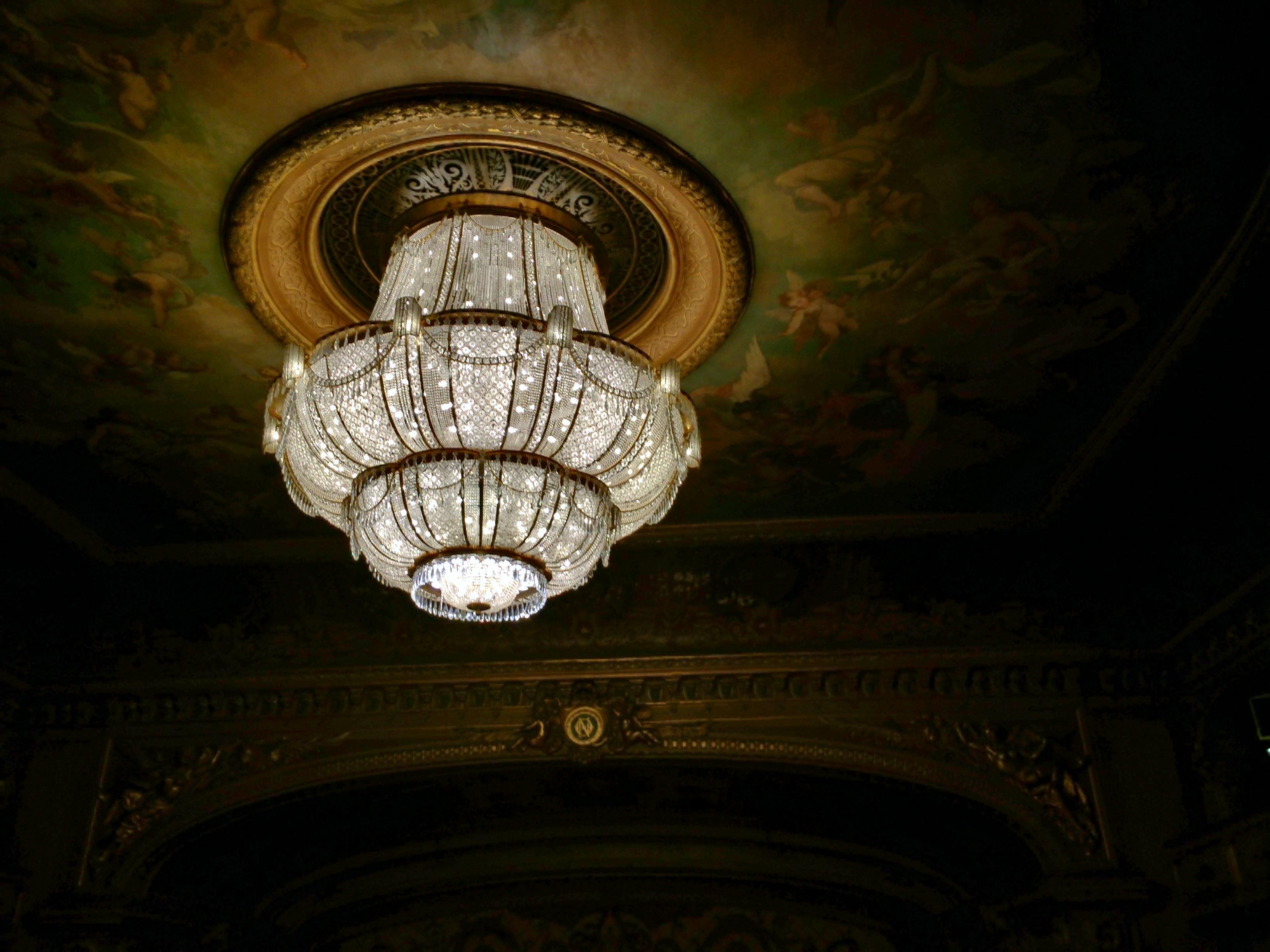 Le lustre de l'opéra de Nice