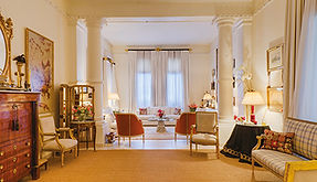 Apartment with an elegant country look