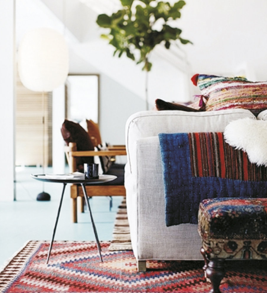 Among the most popular, Kilim is characterised by geometrical patterns and bold interwoven colours.