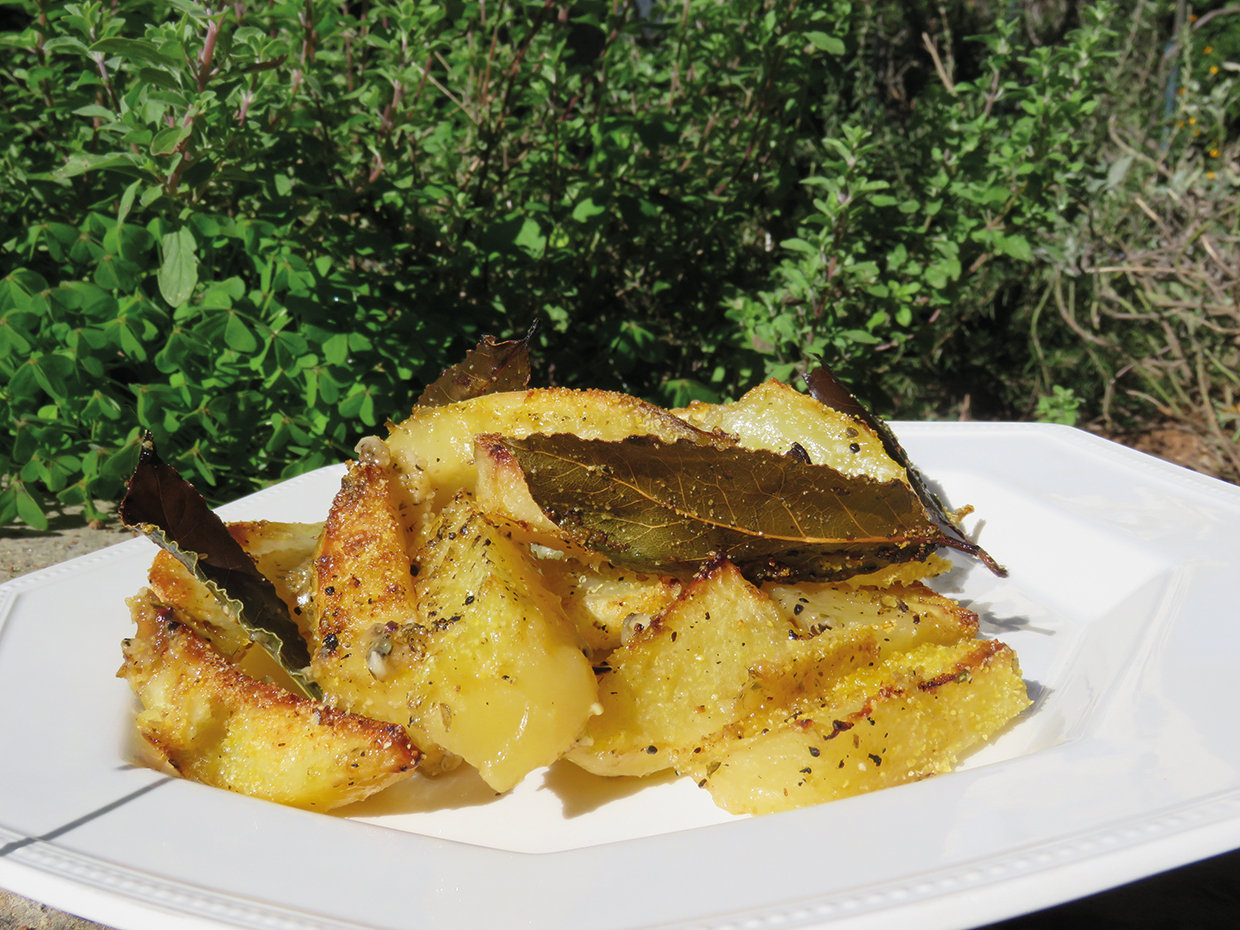 Baked Potatoes with Lemon and Bay Leaves