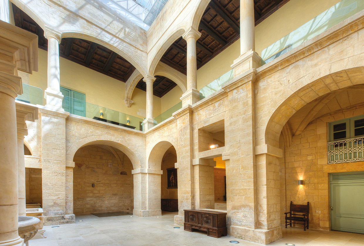 In addition to removing walls and windows to open up the arches and free the columns, all the stone walls of the building, interior and exterior, were cleaned and pointed. © Alan Carville