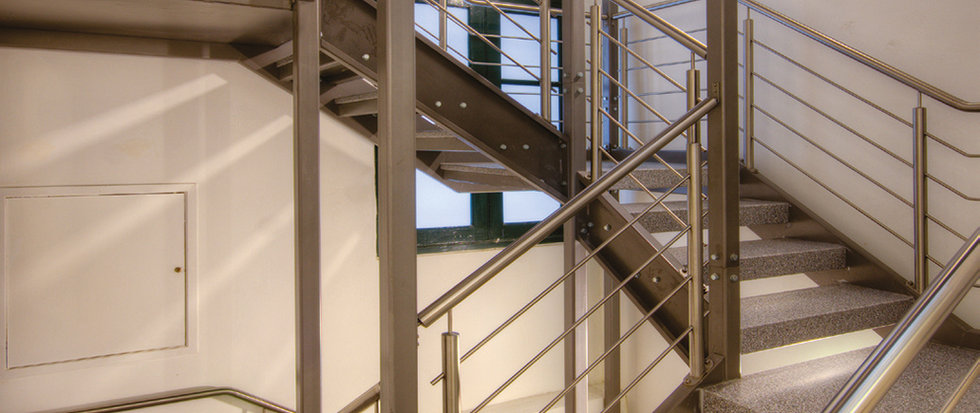The steel staircase is the work of Pillow Space Frames. © Alan Carville