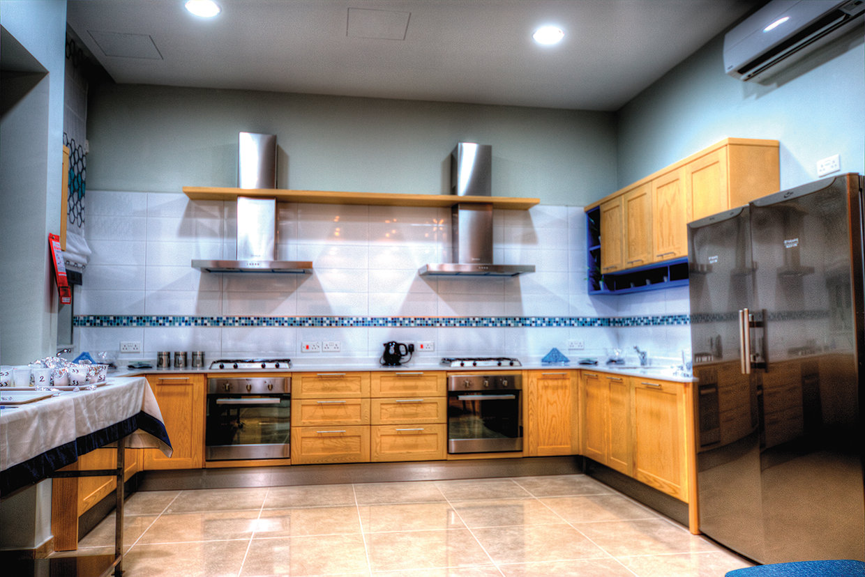 Three work stations exist in a kitchen which has an educational role in helping patients re learn their attitude to food. Clean lines and uncluttered work surfaces with plenty of space are the key factors here.