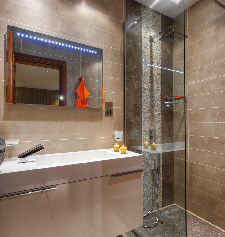 The bathrooms are all about having clean lines and being clutter-free, with fittings from Keramit. © Alan Carville