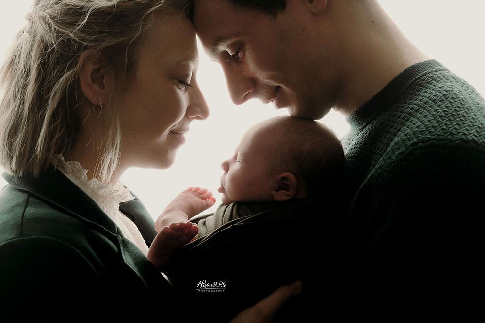 baby fotoshoot, pasgeboren baby, ouders, moederschap