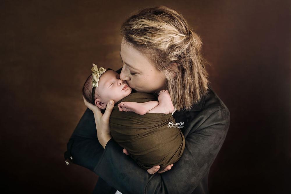 newborn, mama, moeder, moederschap, baby