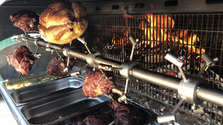 Label Anglais Chicken, beautifully smoked to perfection with La Robeline